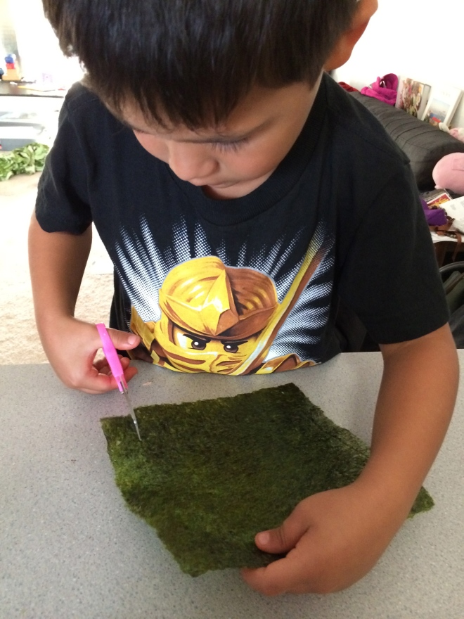 Jaf cutting the nori...