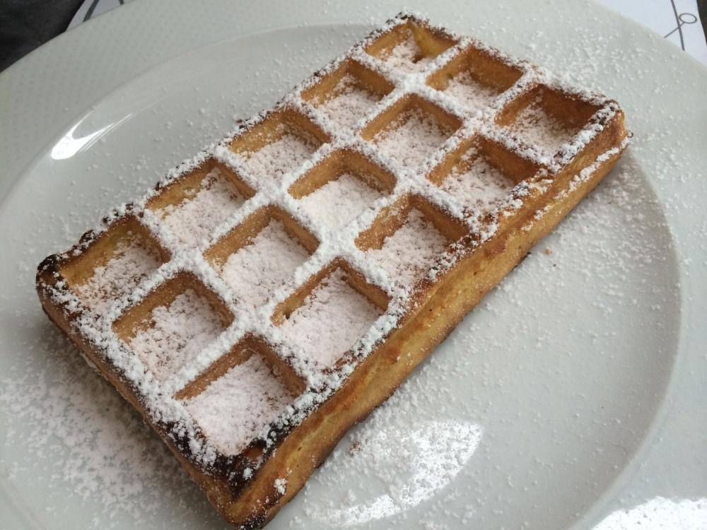 Light, crispy like the American waffles