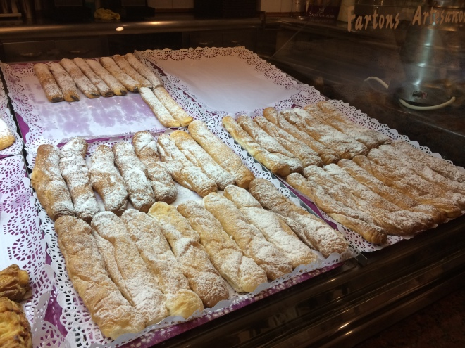 Fartons (light, sweet breadsticks which we loved to dip into the horchata)!